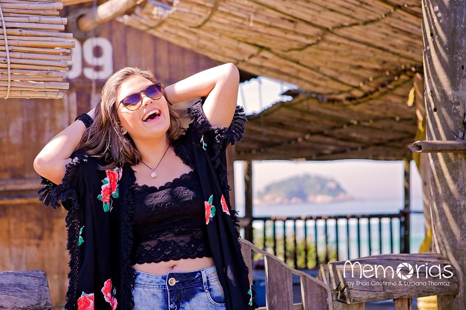adolescente modelo praia