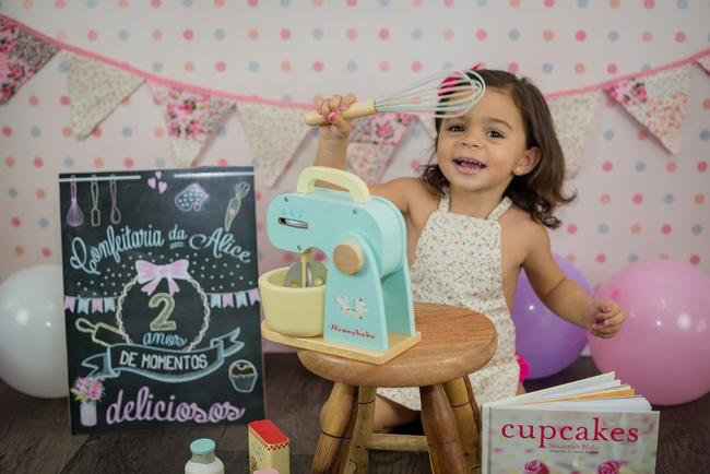 "Ensaio Infantil Studio – ""oficina de cupcakes"" com Alice"