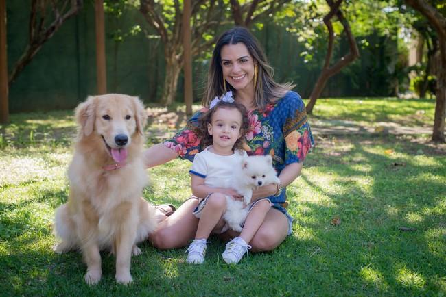 ensaio fotografico criança e filhote cachorro
