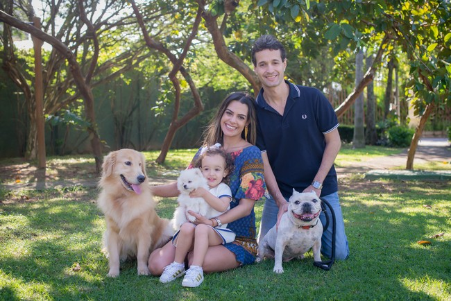 familia Rodolfo Medina com cachorros
