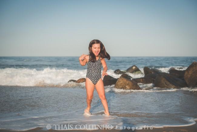 ensaio fotos moana menina praia