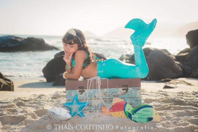 Ensaios Fotográficos no Verão - Sereia na Praia